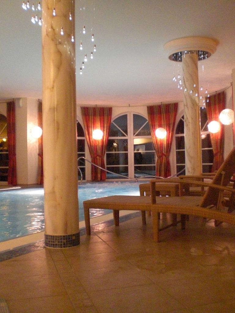Hotel Schwimmbad Bad Ditzenbach